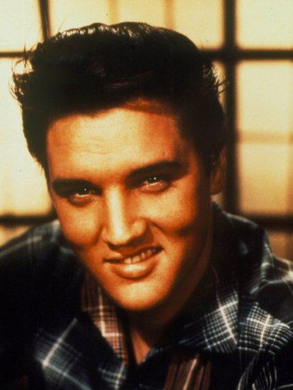 Elvis siempre negó haber dicho algo peyorativo hacia las mujeres mexicanas.