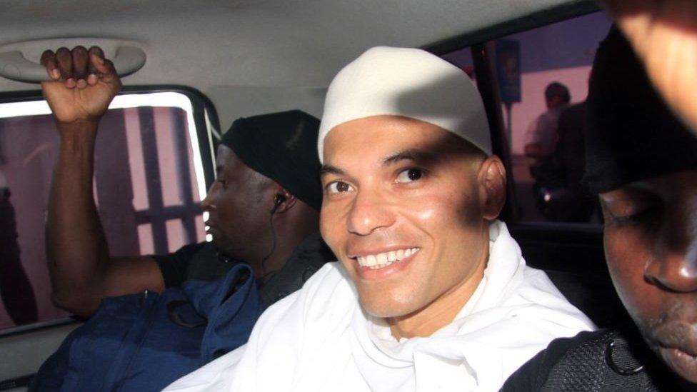 Un ancien juge de la CREI valide' la candidature de Karim Wade