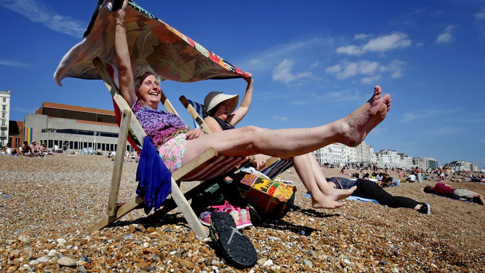Heatwave alerts for south-east England as temperatures hit 30C