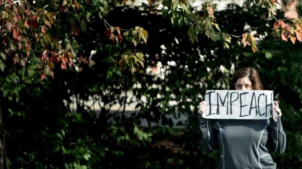 Las protestas contra comitivas presidenciales no son infrecuentes: esta fue tomada por el el fotógrafo Mike Smialowski en el mismo día.