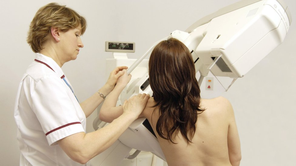 'Breakthrough' breast cancer drugs get NHS approval