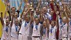 VIDEO: USA lift Women's World Cup trophy