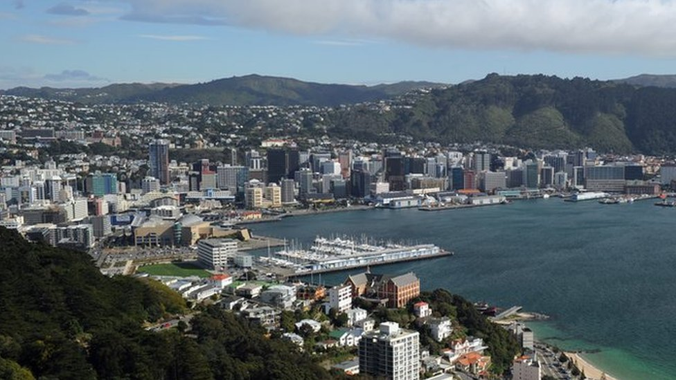 NZ quake-damaged water pipes leak 1m litres a day