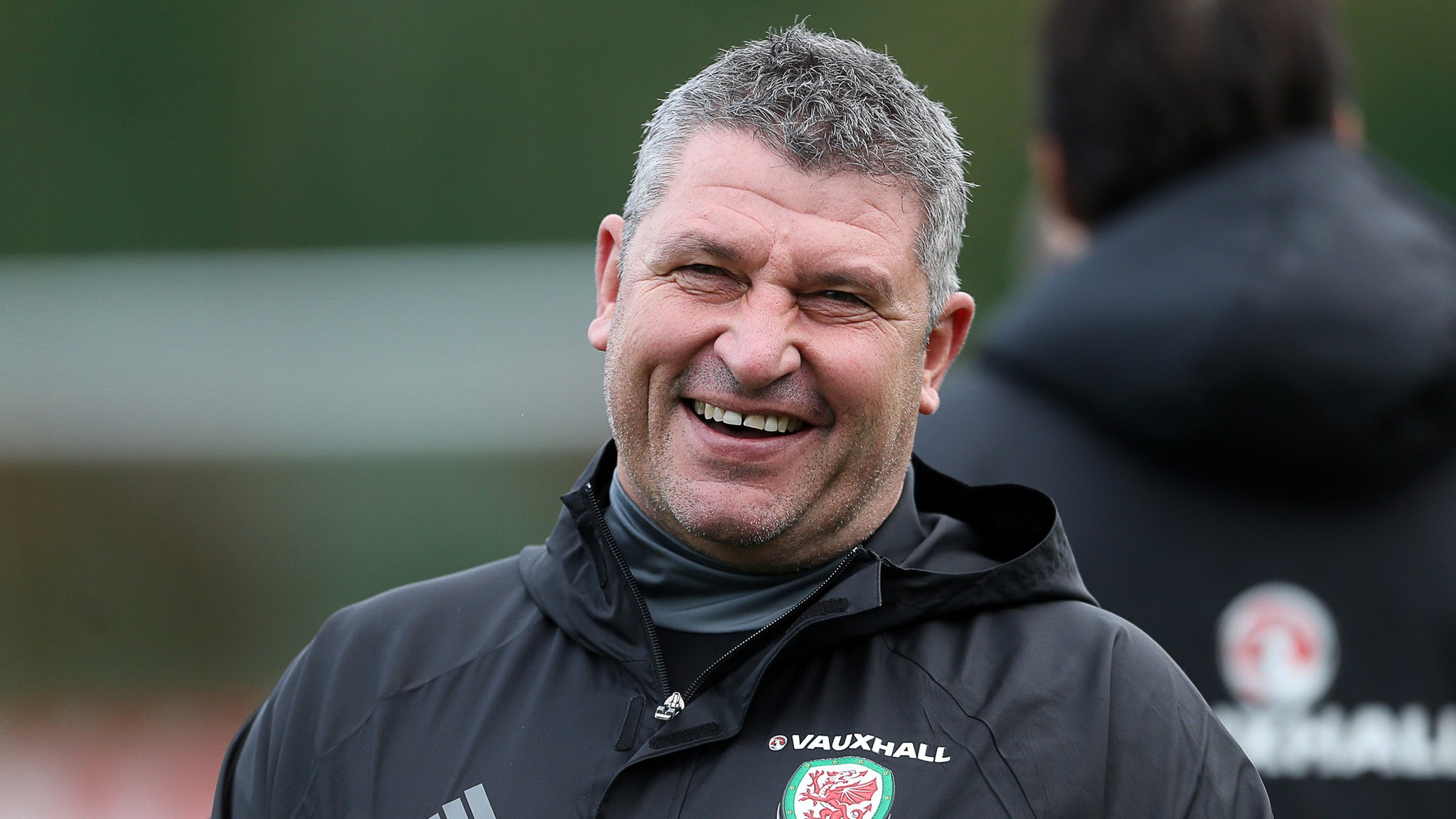 Osian Roberts in Wales role talks with manager Ryan Giggs