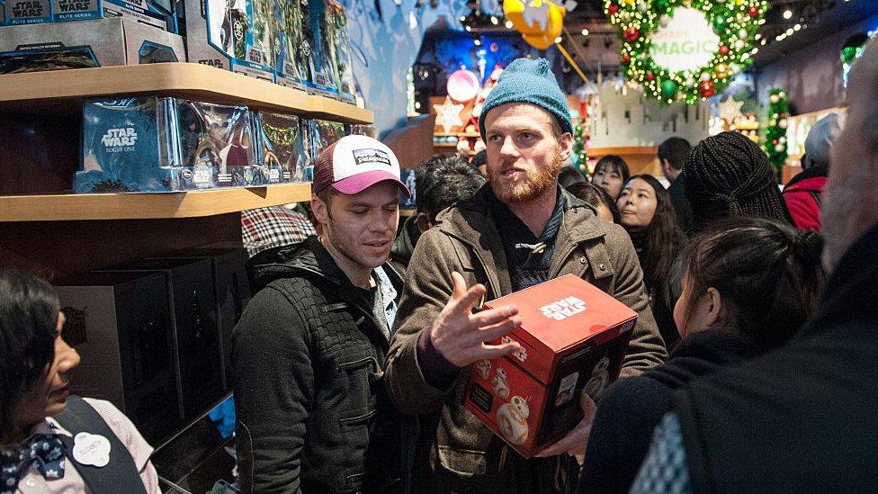 Más de la mitad de estadounidenses ya había comprado algún regalo navideño el 8 de noviembre del año pasado. (Foto: Getty/Stephanie Keith).