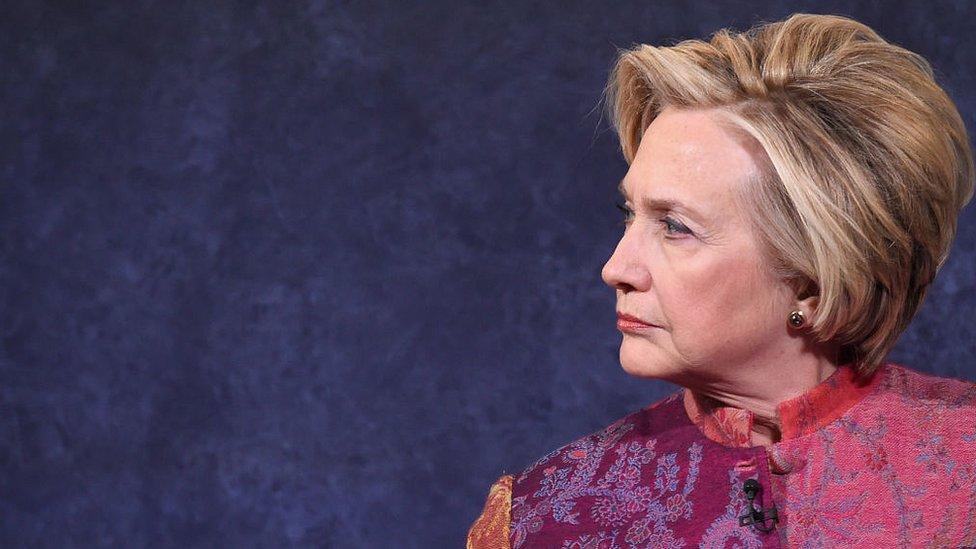 Hillary Clinton criticó duramente a Shkreli por los abusos en los que pueden incurrir algunos empresarios en Estados Unidos.