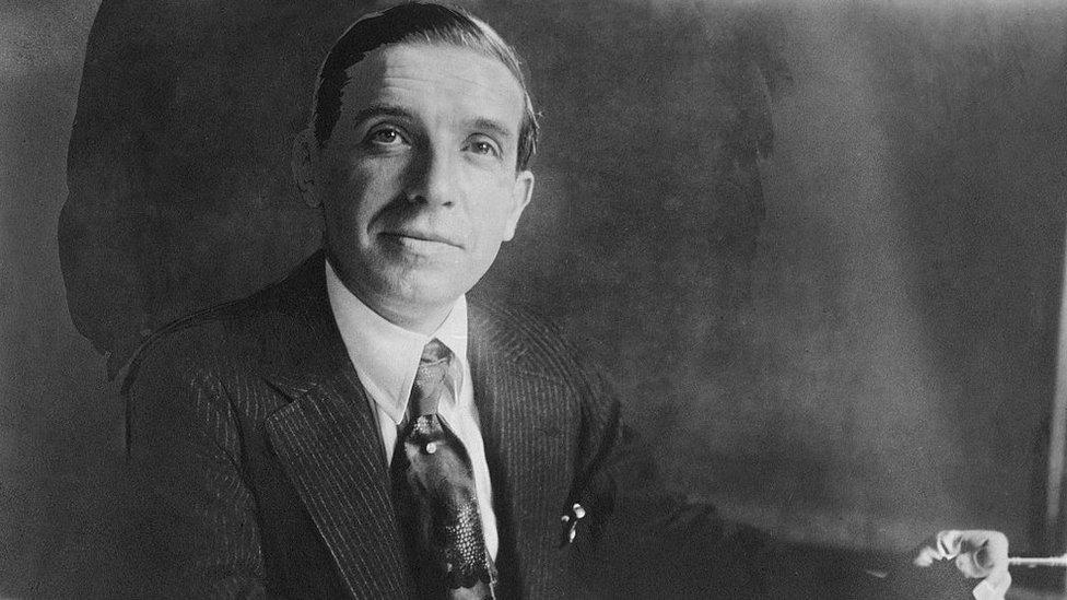 La rocambolesca vida de Carlo Ponzi, el negociante italiano que inventó la estaf ...