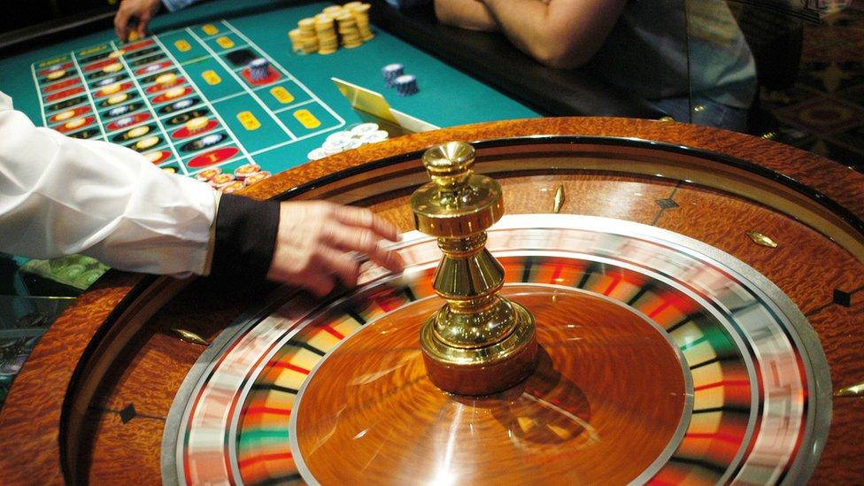 Casino các nước 'lo mất khách' khi VN cho dân đánh bạc
