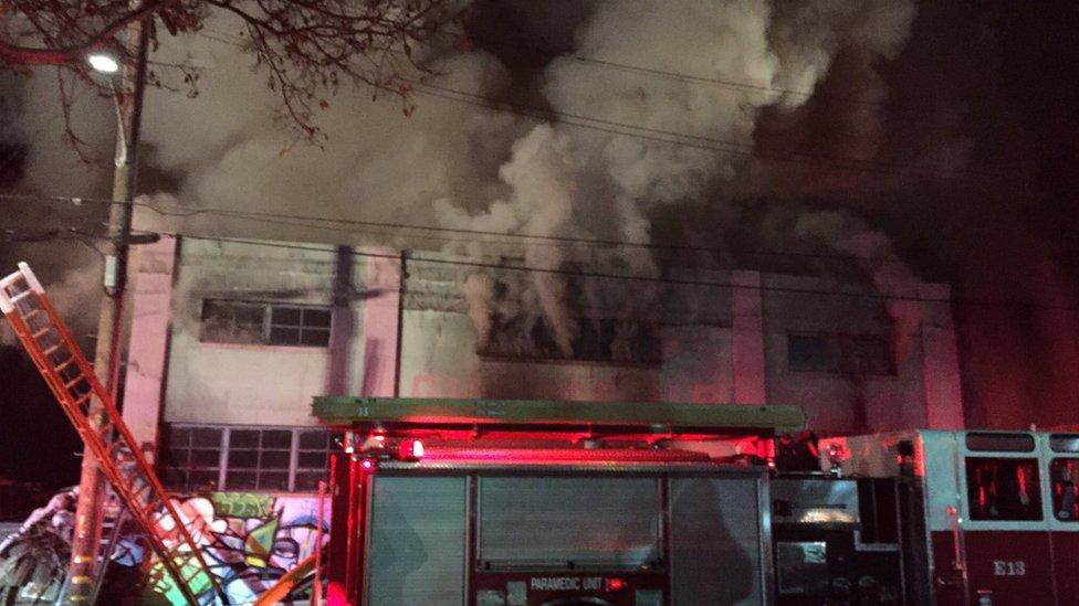 مخاوف من مصرع العشرات في حريق بحفل موسيقي بكاليفورنيا