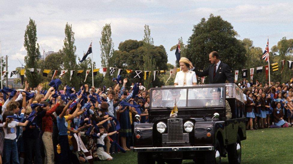La reina y duque de Edimburgo en Melbourne, 1977