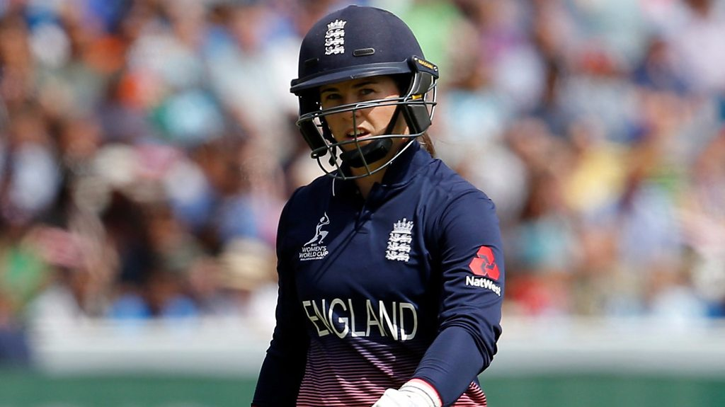 Womens Cricket World Cup: Tammy Beaumont goes cheaply as England stutter