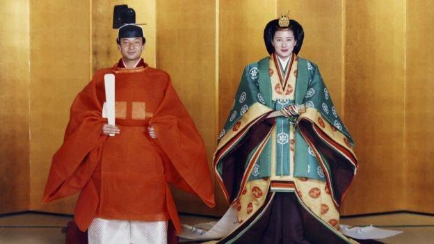 德仁太子與太子妃雅子經過長達七年的愛情長跑後終於在1993年6月結婚。