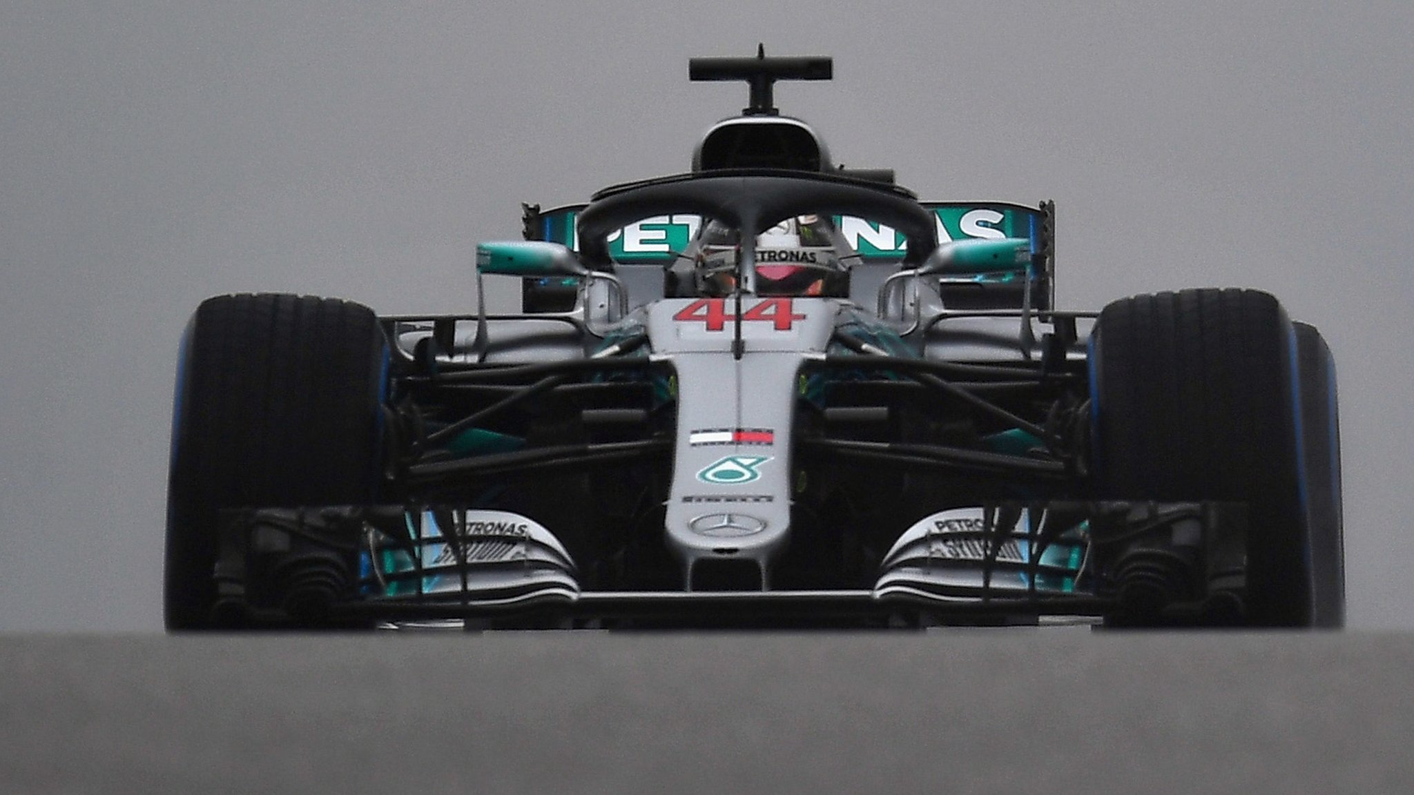 Lewis Hamilton top in US GP first practice