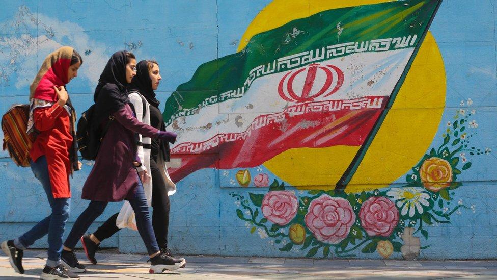 ایران: جګړه نه غواړو، ټرمپ وايي اړتیا وخت کې سرتېري استوو