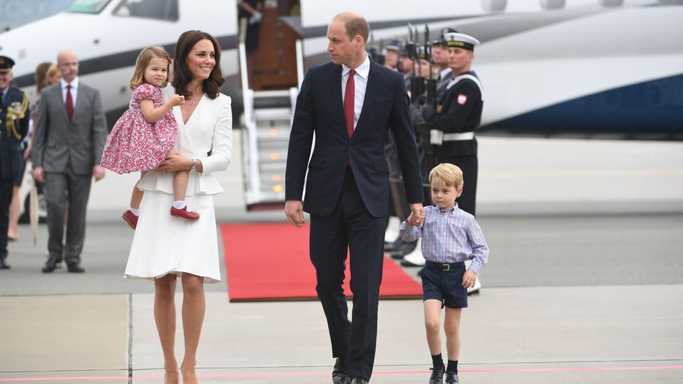 威廉王子、凱特王妃和喬治王子與夏洛特公主