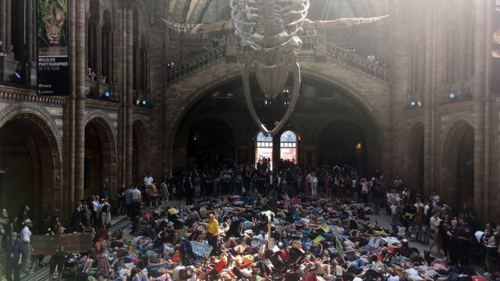 Extinction Rebellion: Climate change protesters at Natural History Museum