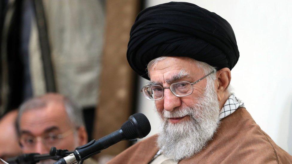 Ya no se enseñará Inglés en Irán