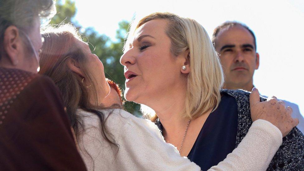 Eduardo Vela: 'Stolen babies' doctor escapes punishment in Spain