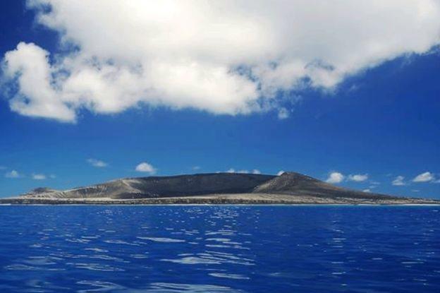 Nueva isla HTHH en el Pacífico (Foto: Gianpiero Orbassano)