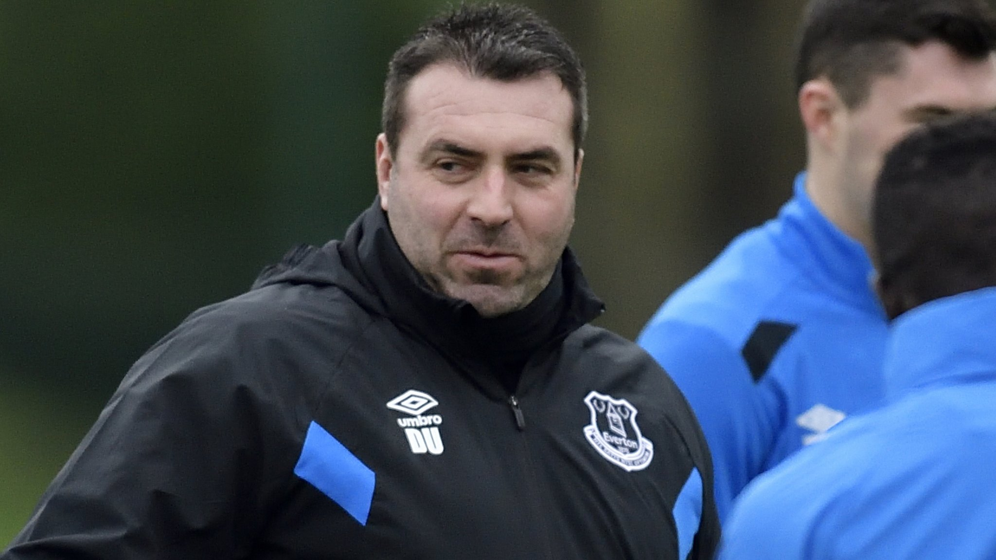 Unsworth happy playing waiting game on Everton job