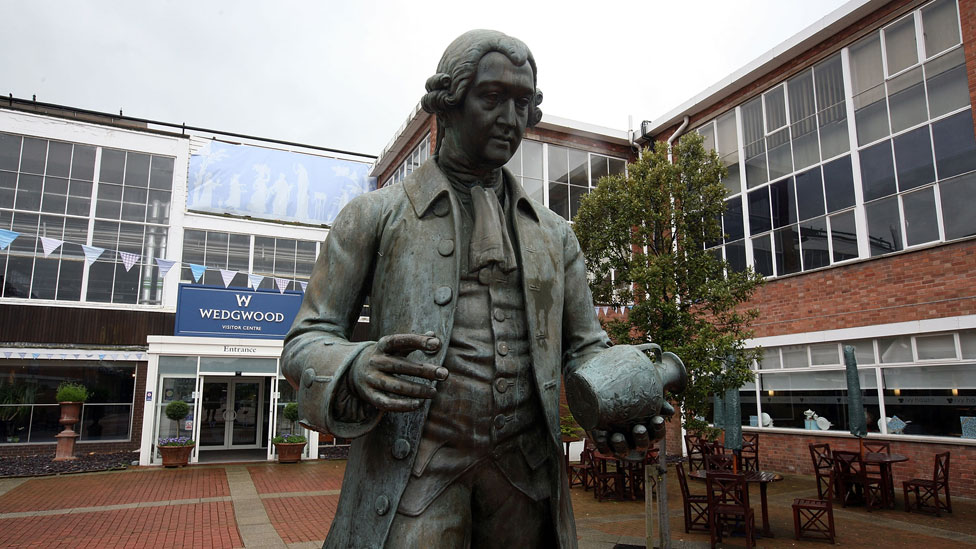 Wedgwood fue uno de los primeros que usó el sistema de doble entrada para comprender mejor sus negocios.