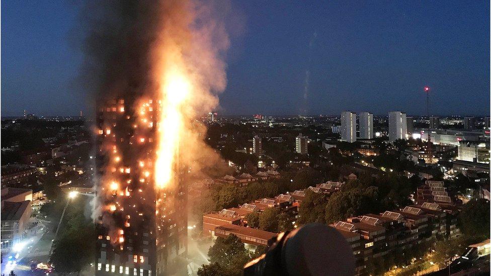 La Policía eleva a 58 los muertos en el incendio de Londres