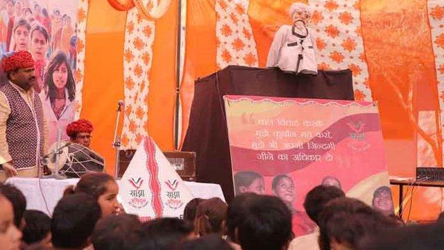 Títeres sobre el matrimonio infantil en India (Foto: Peter Leng / Neha Sharma)