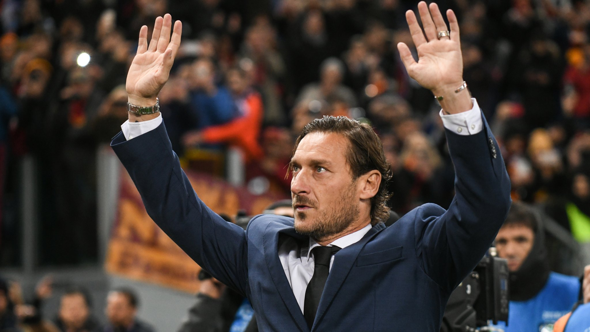 Francesco Totti leaves Roma after 30 years as he resigns as director