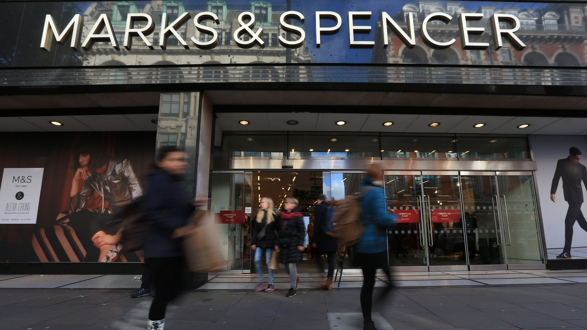 M&S annual profits fall by 64% as revamp costs bite
