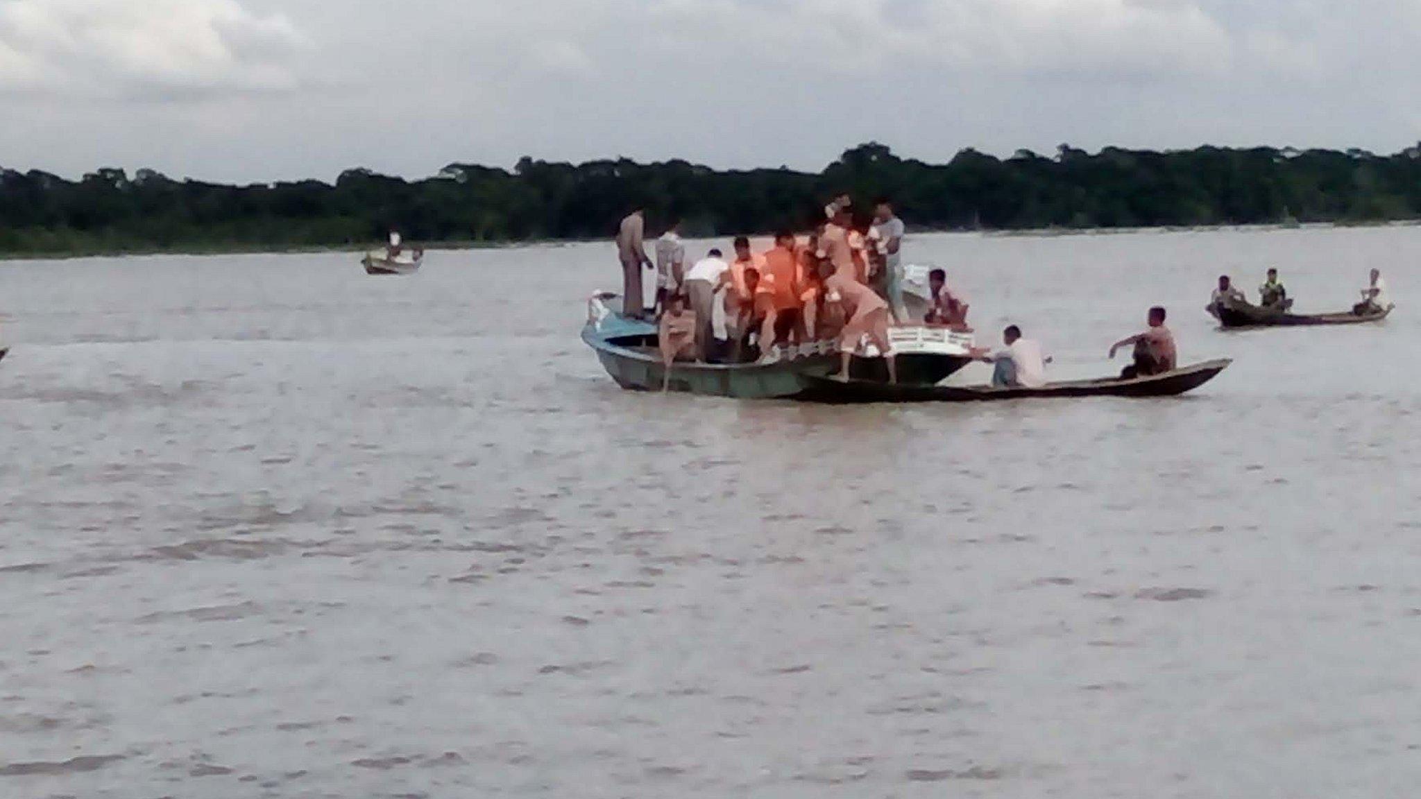 বরিশালে লঞ্চডুবি: উদ্ধার হয়েছে ১৩টি লাশ