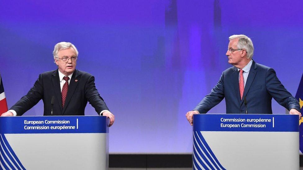 La forma final del Brexit será definida en la mesa de negociaciones.