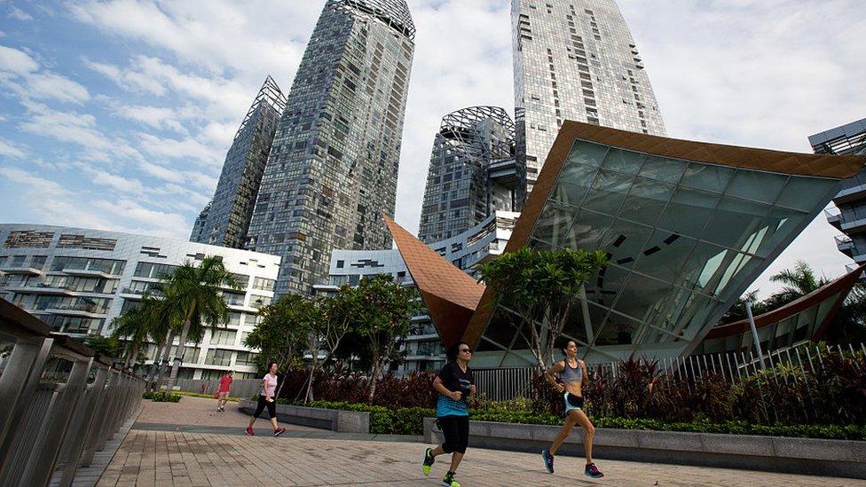 Vivir lujosamente en Singapur es muy costoso, pero existen alternativas para quienes buscan opciones más austeras.