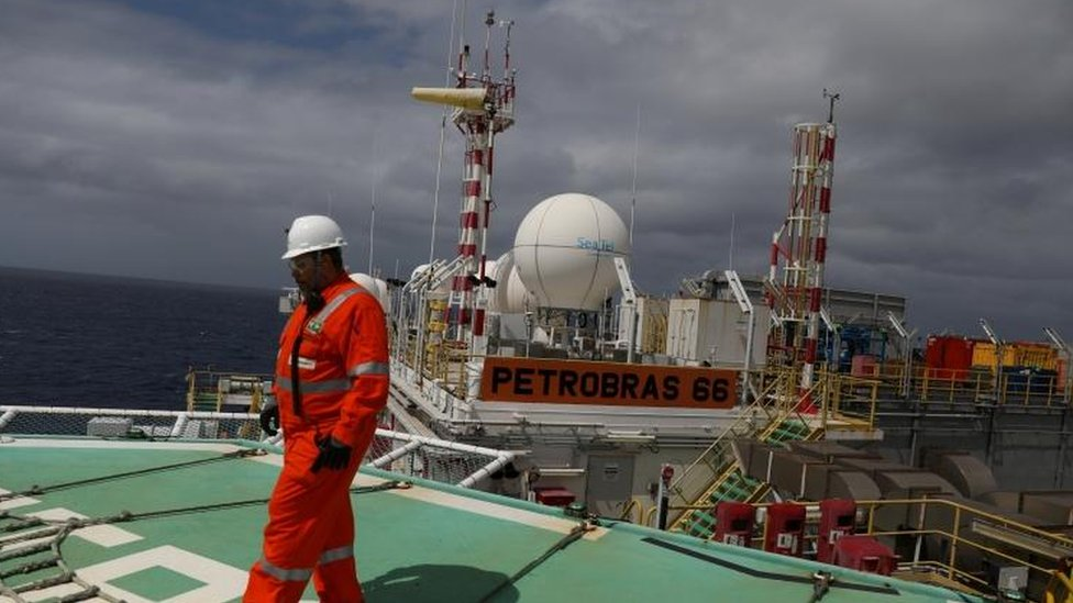 Petrobras hit with $853m corruption fine