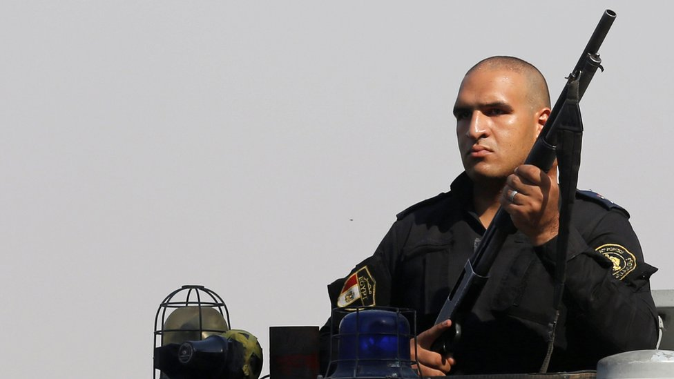 ضابط بالشرطة المصرية