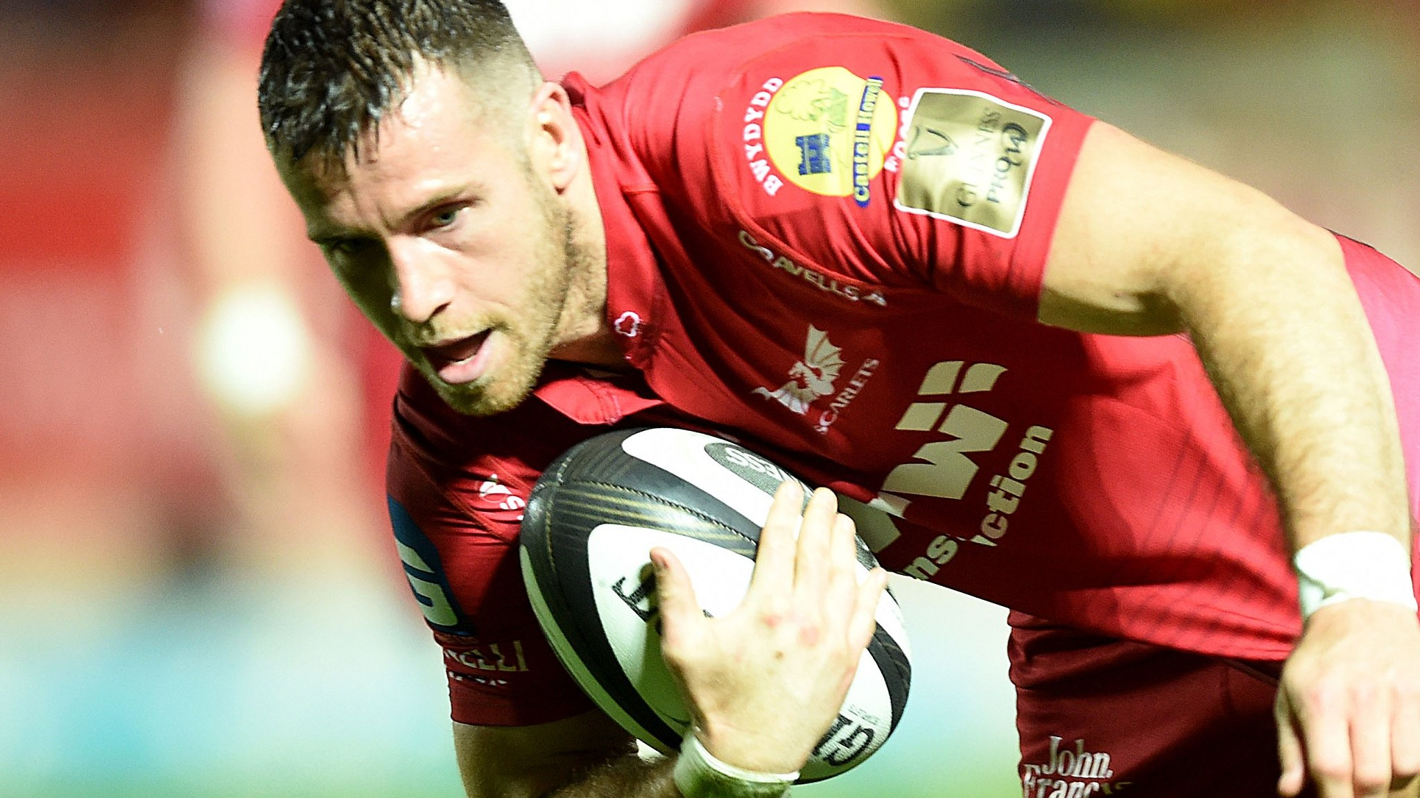 Scarlets ease past Edinburgh after Rizzo red card