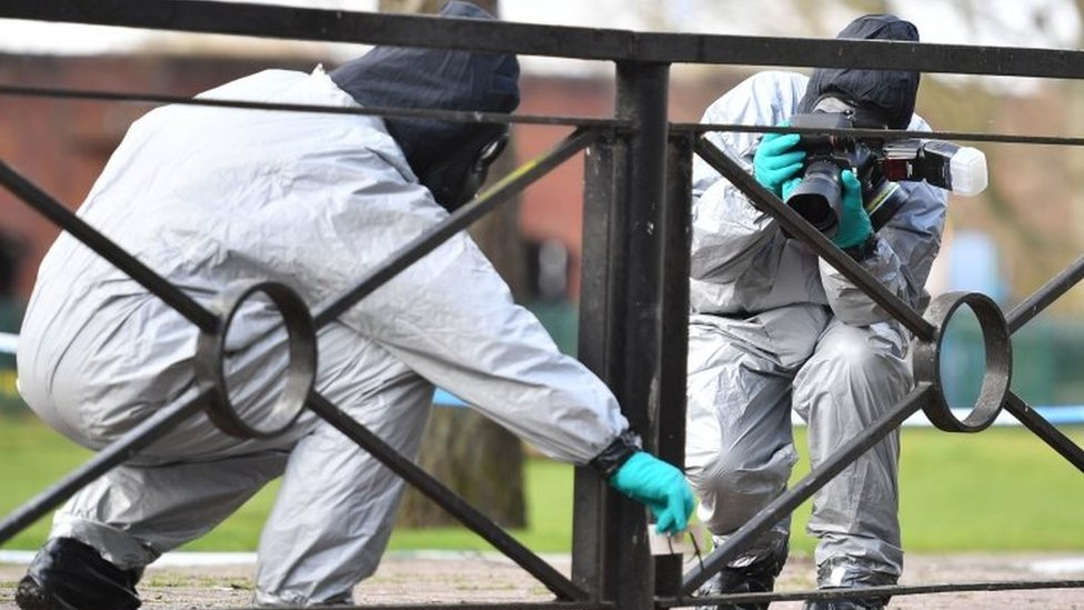 Skripal poisoning: Salisbury toxic hotspots clean-up begins