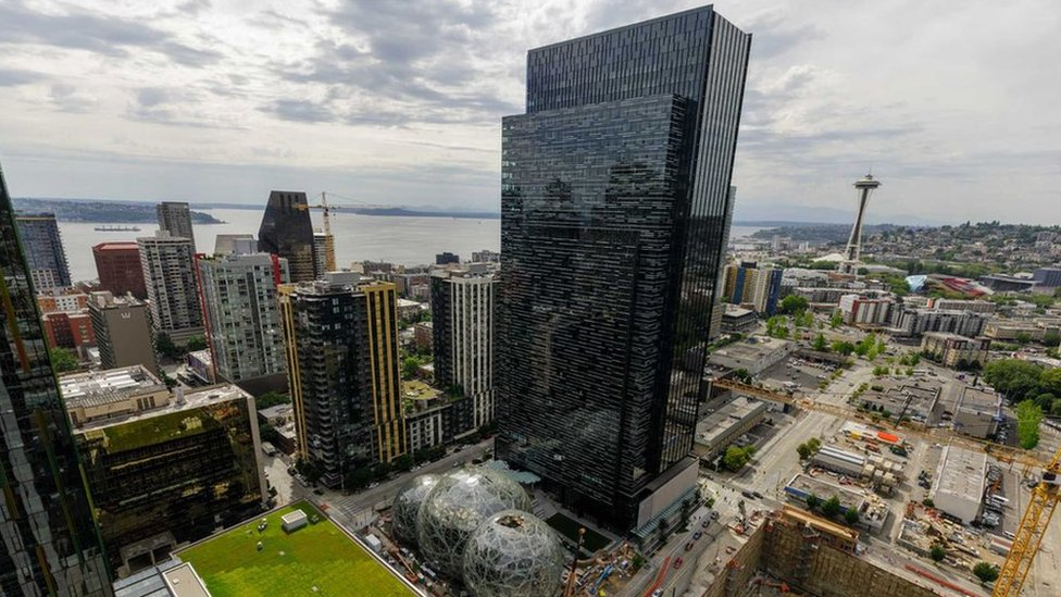 Amazon: More than 100 cities bid for new headquarters