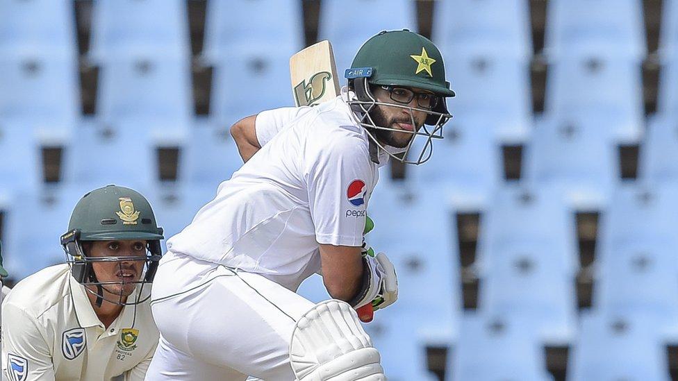 پاکستان کے 153 رنز پر تین کھلاڑی آوٹ، تیسرے دن کے کھیل کا اختتام