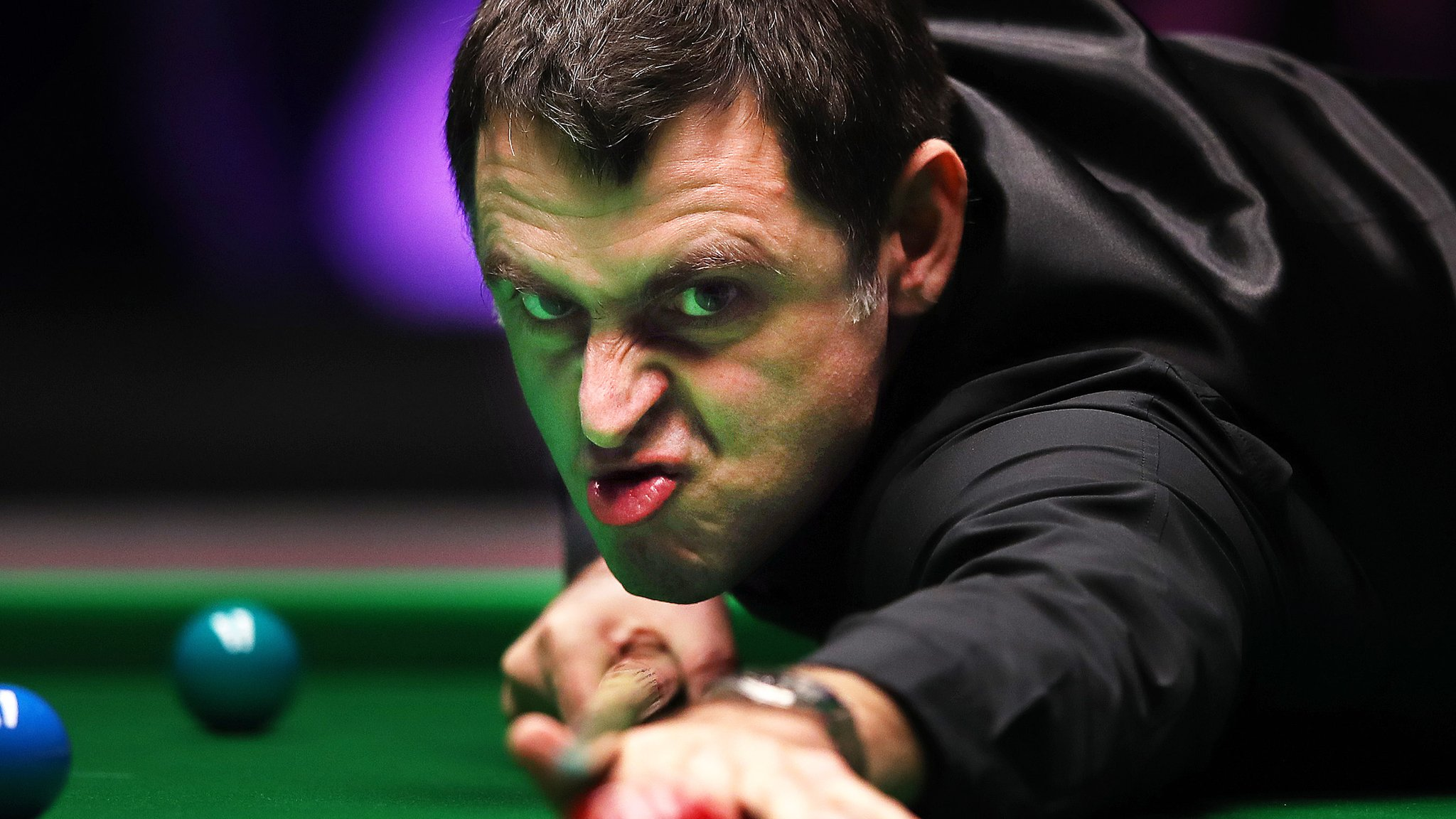 Masters Snooker 2019: O'Sullivan holds off Ding to reach 13th final
