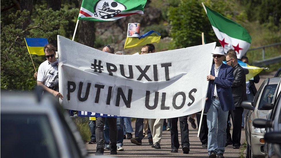 Avala Senado de EU sanciones contra Rusia, Irán y Norcorea