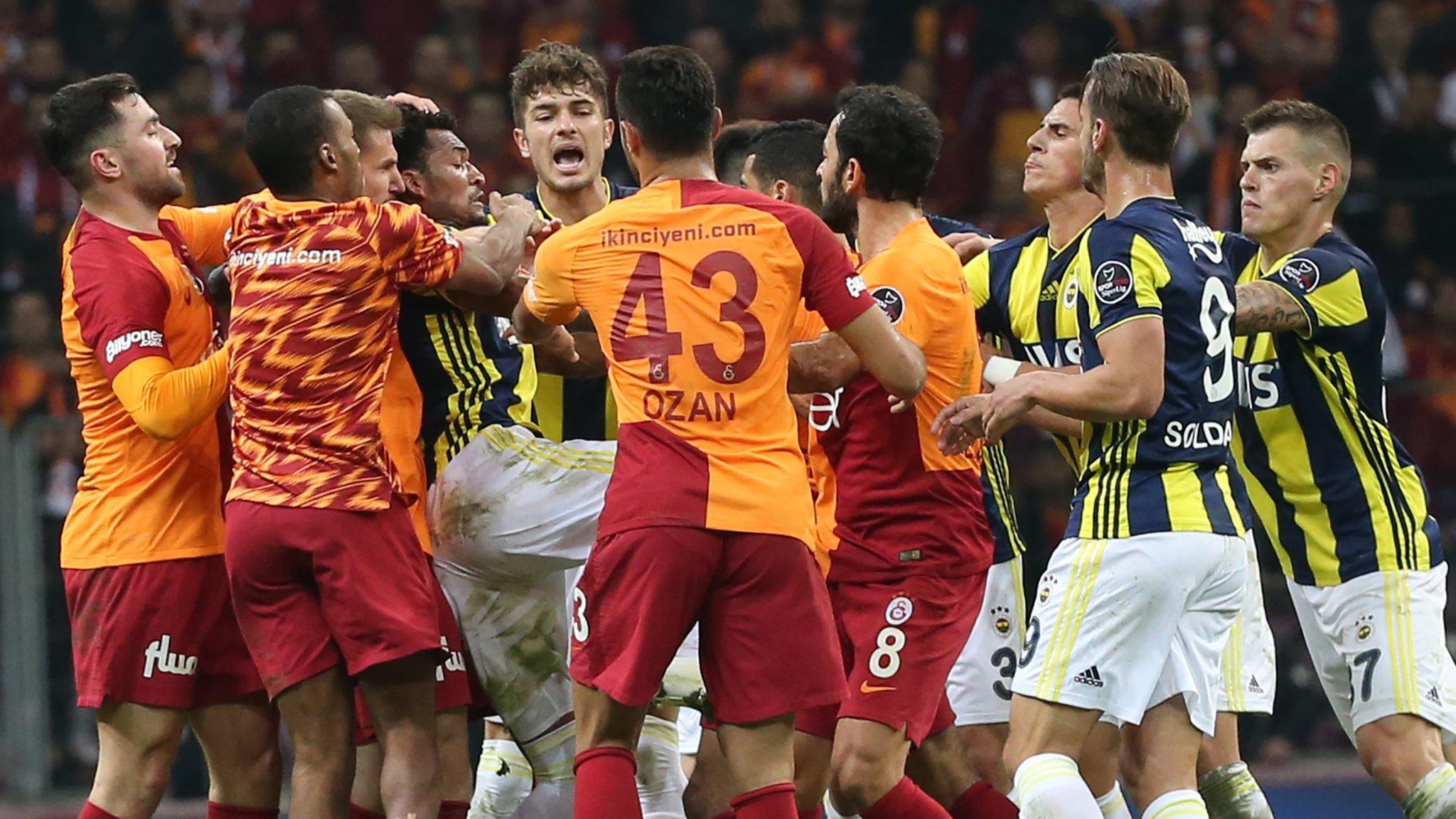 Soldado among seven banned after Galatasaray-Fenerbahce brawl