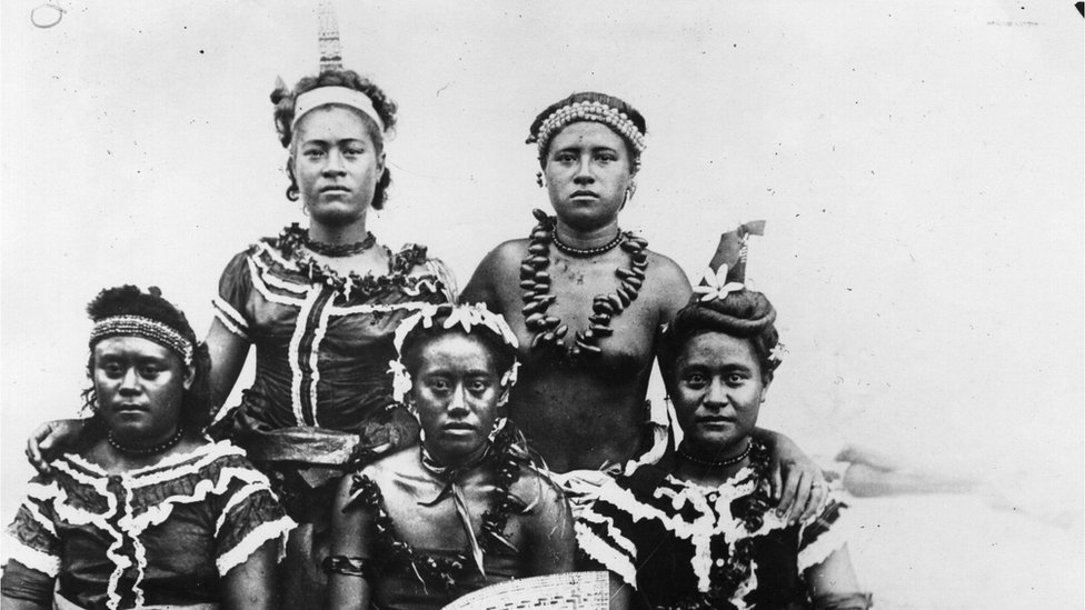 A group of Samoan women, circa 1920