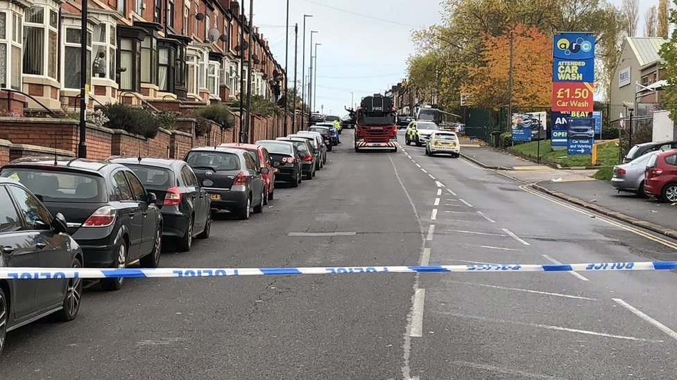 Three adults and baby killed in Sheffield crash after police pursuit | BBC