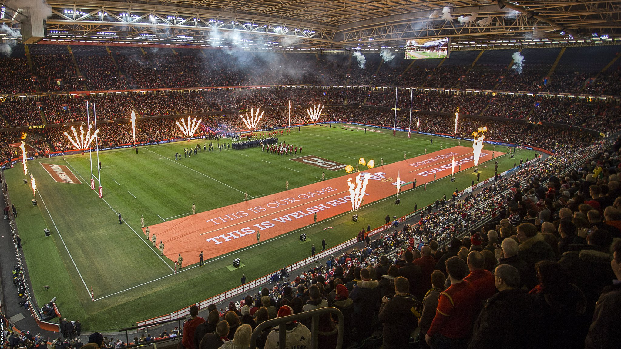 Wales want roof closed in all Six Nations games