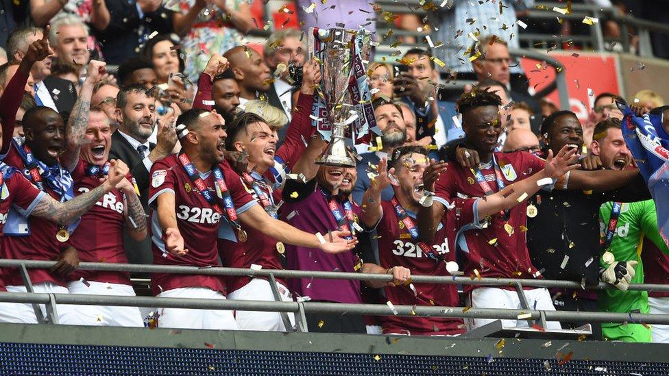 Aston Villa retrouve la Premier League