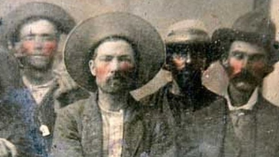 Flea market photo shows 'Billy the Kid and man who shot him'