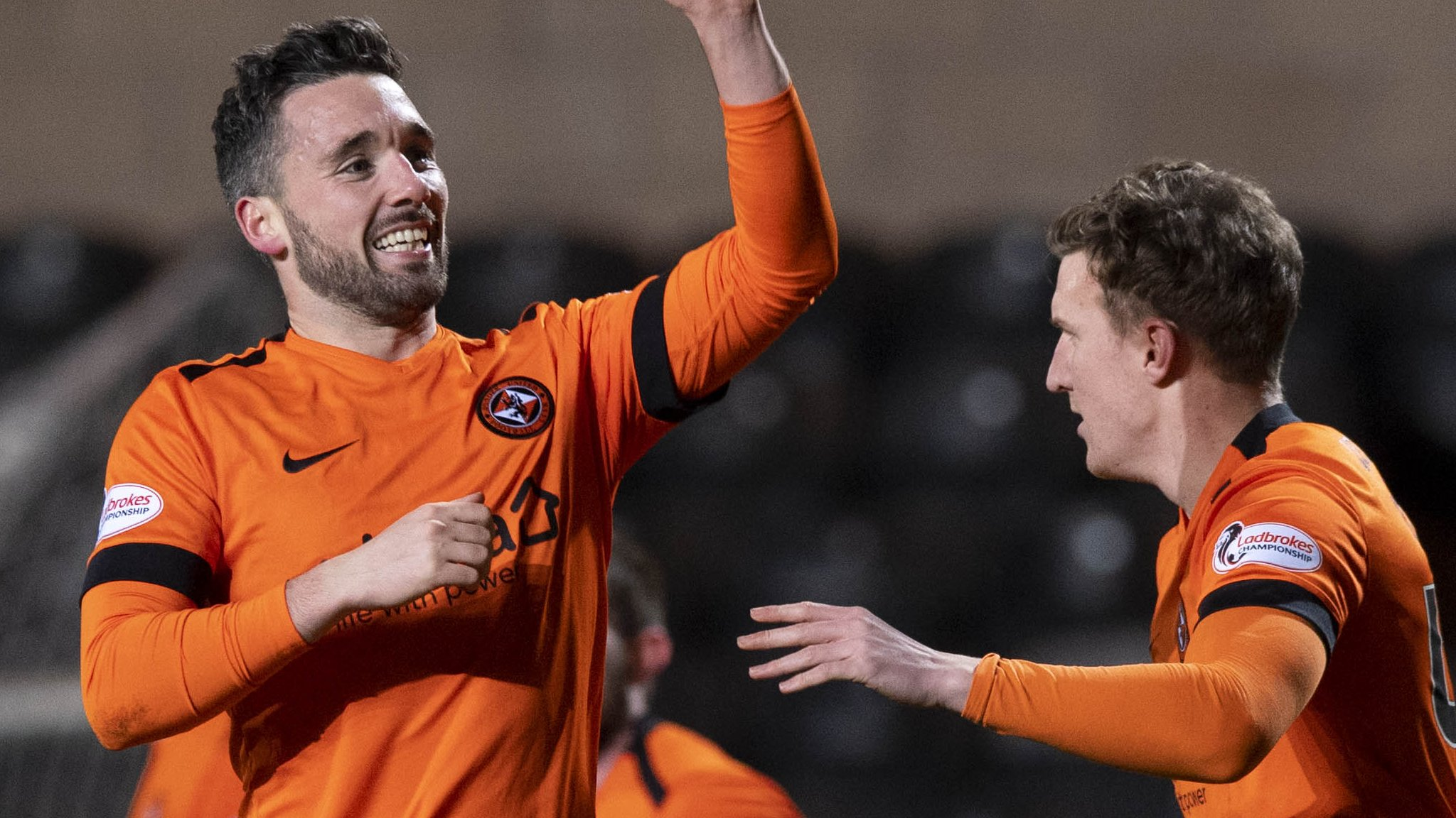 Dundee Utd within three points of summit after late Clark goal
