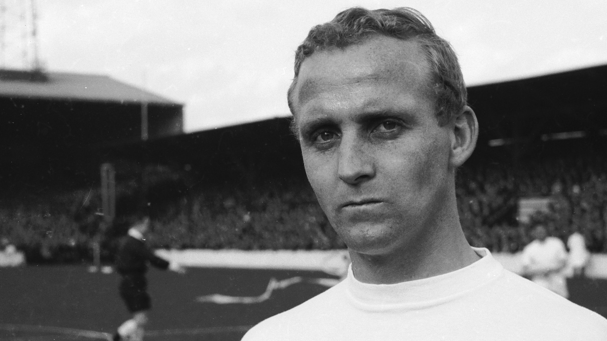 Former Hearts & Everton forward Young dies