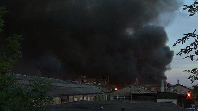 VIDEO: Firefighters tackle London blaze...