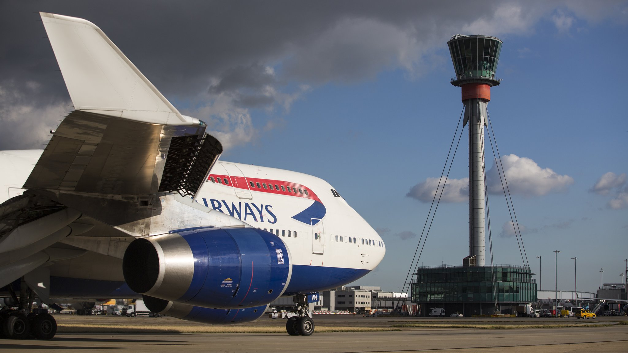 Third runway at Heathrow cleared for takeoff by ministers